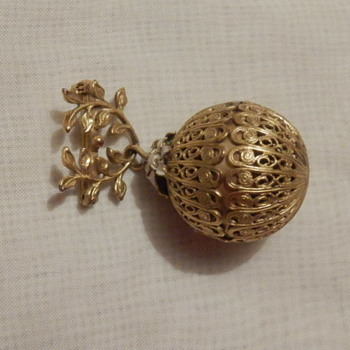 Orb Brooch by Sandor - Costume Jewelry