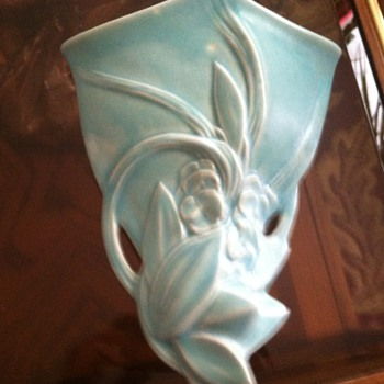 McCoy Wallpocket-1940s - Art Pottery