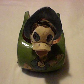 DAISY  DUCK  PLANTER - Animals