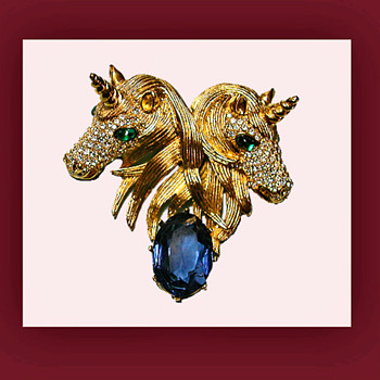 My mystical magical double unicorn brooch. Signed CINER - Costume Jewelry