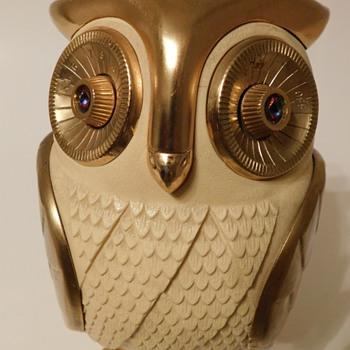 1960's Metallic Owl AM Radio w/Jeweled Eyes - Animals