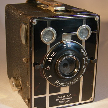 Kodak Brownie 620 - Cameras