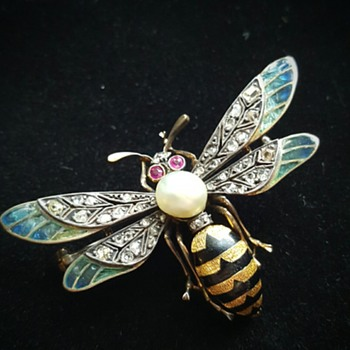 My best ever wasp insect brooch!