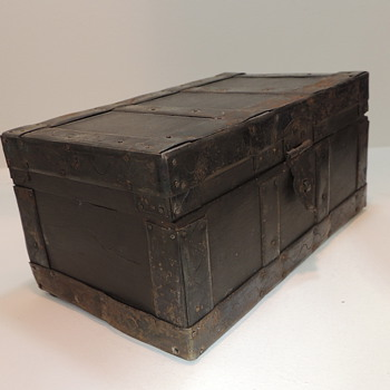 Old Wooden Box - Furniture