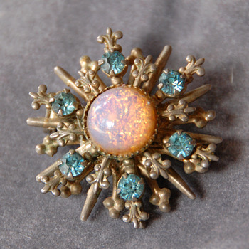 Vintage 1950-60's Brooch with Faux Opal Foil Glass and Rhinestones_Unknown Maker