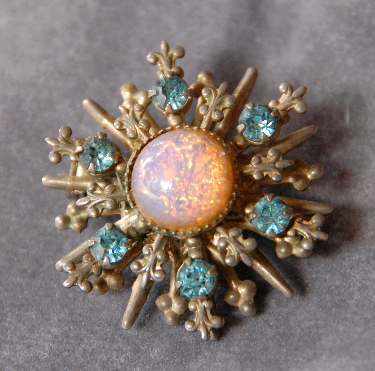 Vintage 1950-60u0026#39;s Brooch with Faux Opal Foil Glass and Rhinestones_Unknown Maker : Collectors Weekly