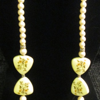 Asian influence necklaces - Costume Jewelry
