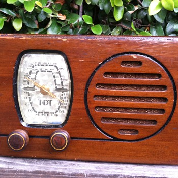 Rare Tot Remler Tube Radio with Stationized Dial - Radios