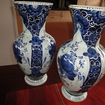 Two large handpainted Delft Blue Vases 