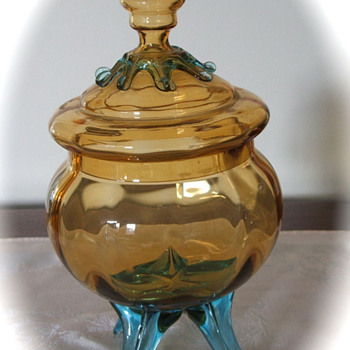 3 legged covered glass candy dish?   2 colors, blown glass? - Glassware