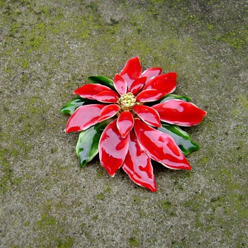 Vintage Poinsettia Pin - Costume Jewelry
