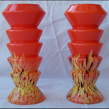 ZIG ZAG ORANGE SPATTERED VASES - Art Glass