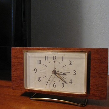Mid Century Modern &quot;Longwood&quot; GE Electric Alarm Clock model 7H259  