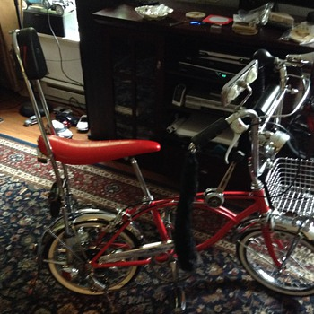 My customize 16inch Schwinn bike I turn it into 5 speed and made it look like this with some lowrider parts