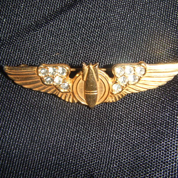 WW2 sweetheart bombadier wings - Military and Wartime