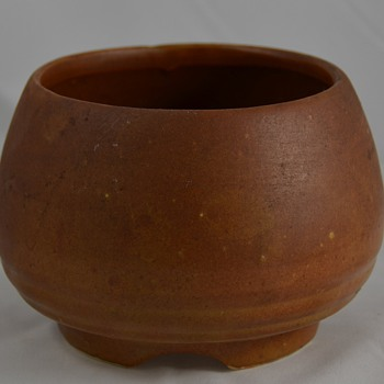 Unknown Maker of this Brown Bowl Pottery Marked USA - Art Pottery