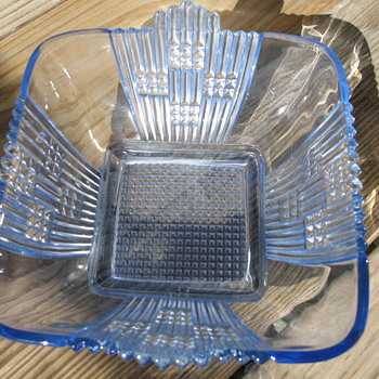 Blue square dish - Glassware
