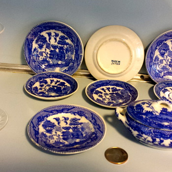 Handed down Japanese Blue & White Porcelain 9 pcs.