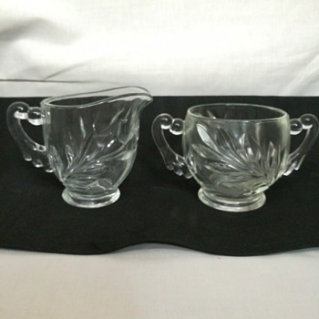 Indiana Glass #1008, Willow sugar and creamer - Glassware