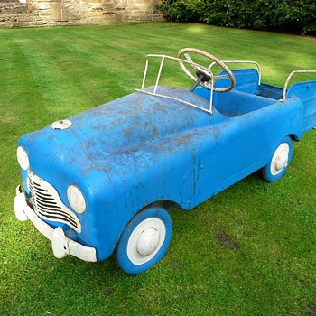 1950s Tri-ang Station Wagon Pedal Car  - Model Cars