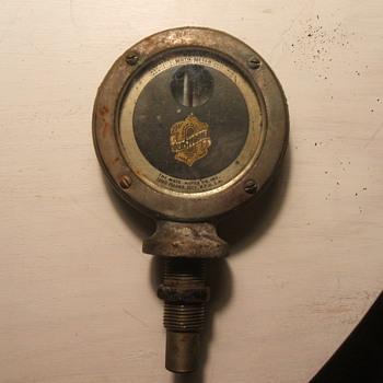 1913 Oldsmobile Boyce MotoMeter