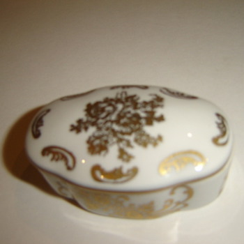 French Porcelain Trinket box - Art Pottery