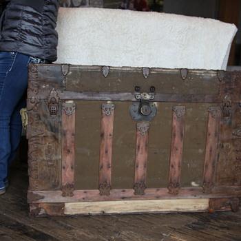 Trunk 4 - Furniture