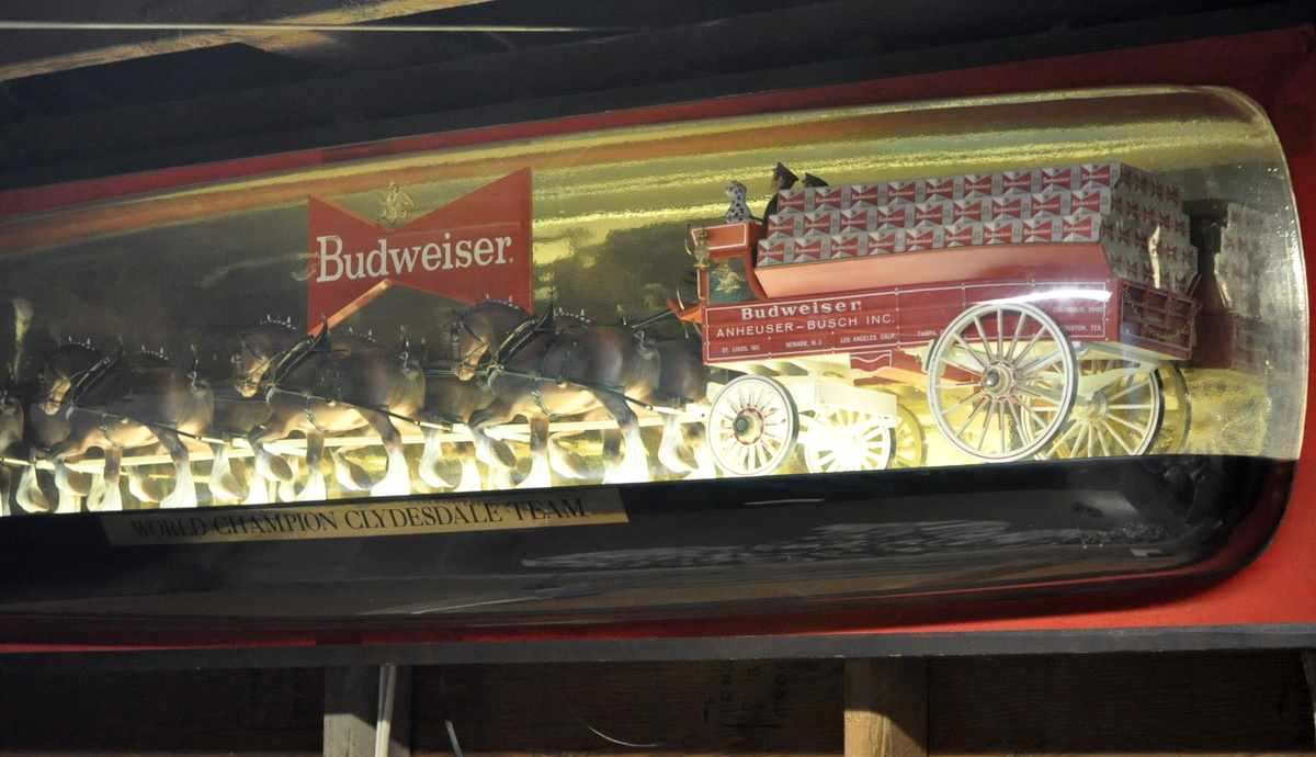 Budweiser Clydesdale Bubble Light Collectors Weekly