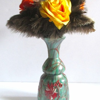 HARRACHOV/ ROCKWELL STEMS, AND ROSES. - Art Glass