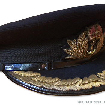 WW2 Royal Navy Commander's visor cap. - Military and Wartime