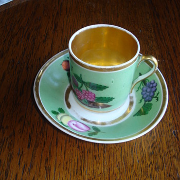 Our identified oldest porcelain: a Vincennes Tasse Litron - Art Pottery