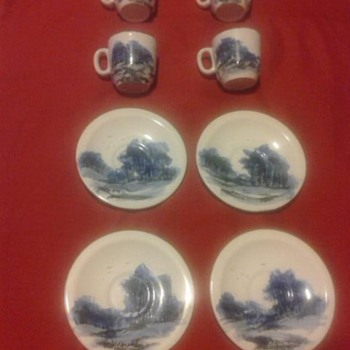 PAINTED LANDSCAPE CHINA - China and Dinnerware