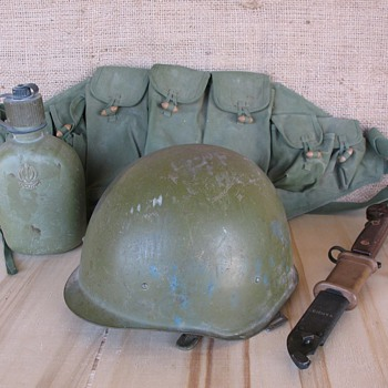 IRAN - IRAQ War Helmet & Gear circa 1980 - 1988 - Military and Wartime