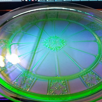 1930s Jeannette Doric Tray in green