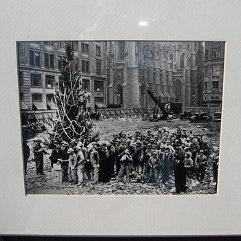 Rockefeller Center Christmas Tree Origin - Photographs