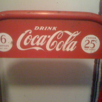 Mysterious Coca Cola display! - Coca-Cola
