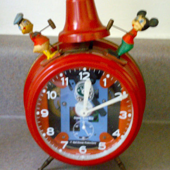 Animated Mickey and Donald  alarm - Clocks