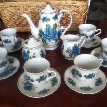 IMPERIAL NIPPON BLUE ROSE PATTERN COFFEE SET - China and Dinnerware