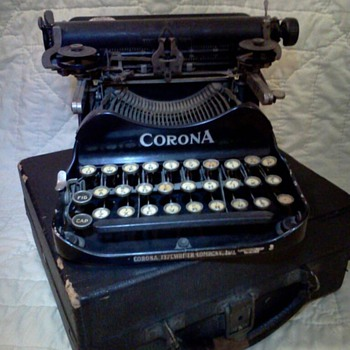 Vintage Typewriter&#039;s - Office