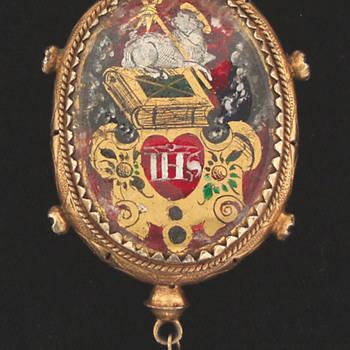 Agnus Dei Pomander Pendant