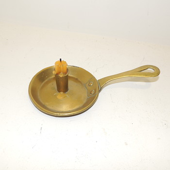 "Antique American Brass ""Frypan"" Chamberstick - 1750-1790 - Lamps"