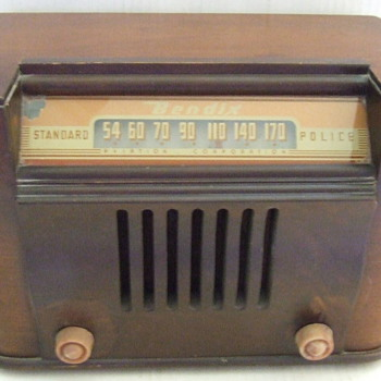 Bendix Aviation Corporation 1940's Standard Police Radio - Radios