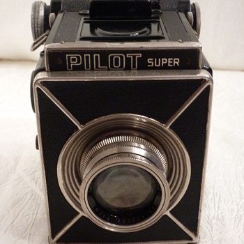 Pilot Super - Cameras