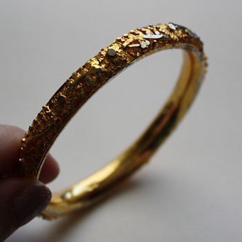 Bangle marked GG or CG - Costume Jewelry