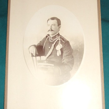 Cabinet card of 16th Infantry soldier in dress uniform