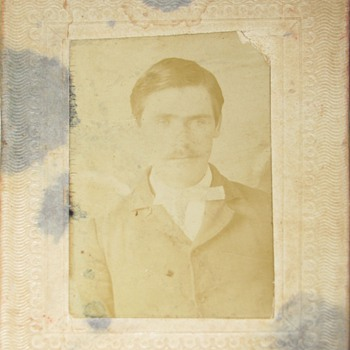 a little sample of the New Additional Jesse James/ Frank James Family/Gang.  - Photographs