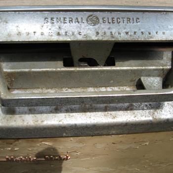 General Electric Mobile Maid dishwasher - Kitchen
