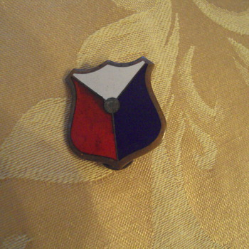 My Fathers Pin - Military and Wartime