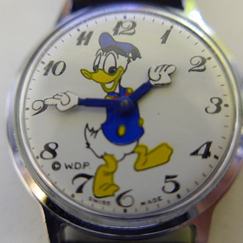 Donald Duck Wristwatch - Wristwatches