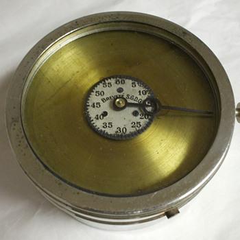 Identify Clock ~ Brevete S.G.D.G.